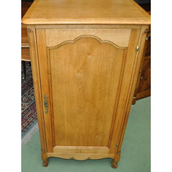 Petit meuble ancien de rangement musique en chene for Decaper meuble vernis chene