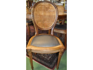 6 chaises médaillons anciennes Louis XVI en noyer massif